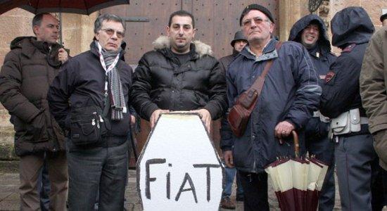 Riesplode la protesta degli operai ex-Fiat di Termini Imerese che oggi hanno occupato alla fine dell'assemblea e dopo un sit in la sede dell'Agenzia delle Entrate. Intanto a Pomigliano a […]