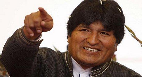 Davanti a un pubblico di attivisti sociali e sindacali e a rappresentanti dei movimenti, il Presidente della Bolivia ha ricordato le tappe di un processo rivoluzionario che sta portando gli […]
