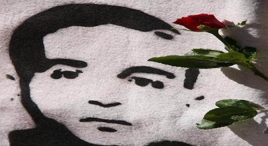 di Wu Ming Piazza Alimonda, Genova, h. 17:30 circa del 20 luglio 2001. I tutori dell'ordine hanno appena massacrato di botte il fotografo Eligio Paoni, colpevole di aver fotografato da […]