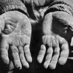 mani_povero