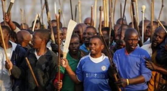 Trentaquattro morti, settantotto feriti e 259 arresti. Per la polizia del Sud Africa è questo il bilancio finale della mattanza di ieri presso le miniere di Marikana nel nord-ovest del […]