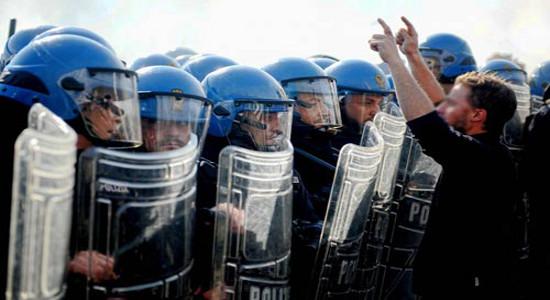 Negli ultimi giorni, a più riprese, i sindacati di polizia Sap e Siap si sono fatti portavoce di istanze, anzitutto presso il Viminale, che hanno attirato l'attenzione dei media locali […]