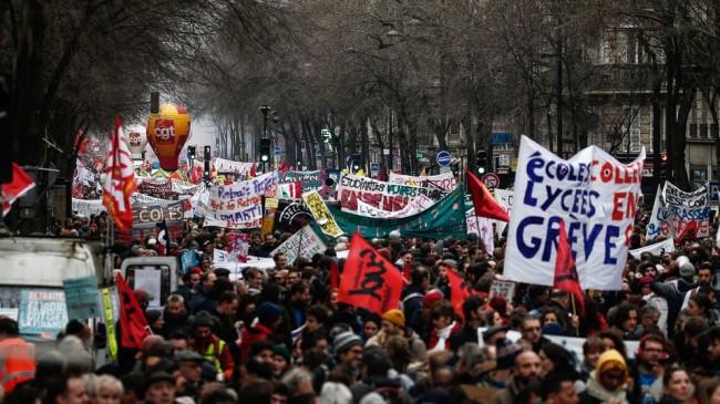 manifestation-contre-la-reforme-des-retraites-a-paris-le-9-janvier-2020_6243166