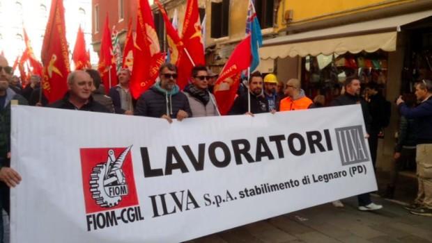 La federazione Prc di Padova fa propria la posizione espressa nel comunicato nazionale. Esprime la sua solidarietà ai lavoratori ex-Ilva dello stabilimento di Legnaro e sarà presente domani ai cancelli […]