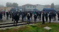 Questa mattina, alle prime ore dell'alba, decine di uomini in assetto antisommossa, dopo aver bloccato l'ingresso del Centro sociale Rivolta, hanno eseguito una perquisizione che si é conclusa attorno alle […]